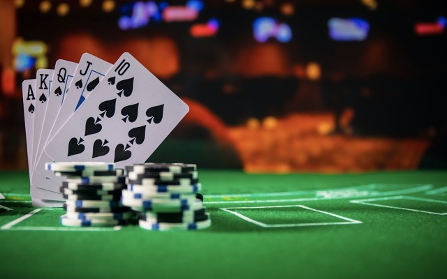 How to make money at online casino poker